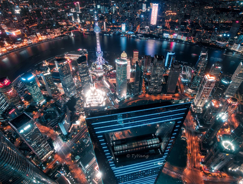 上海钢铁森林黄昏与夜色,附DNG调色心得及原图对比